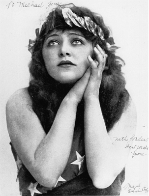 Hard to believe that Muriel Ostriche started her career in films in 1911, a hundred years ago!
