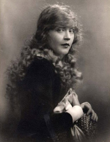 A very young Mae Murray.