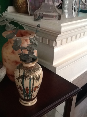 I treasure this little vase that Gladys gave me on my visit  to Glad's Castle.