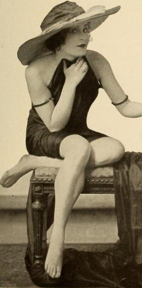 Marie Wayne, 1917